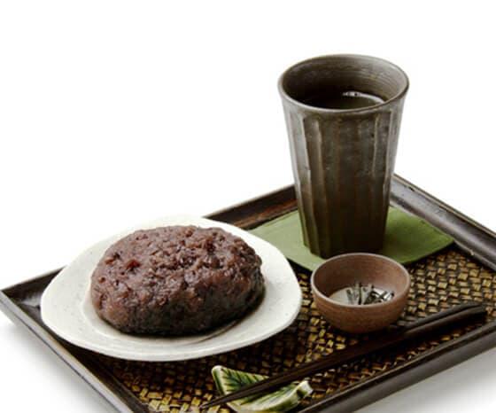 大判おはぎ (煎茶付き)