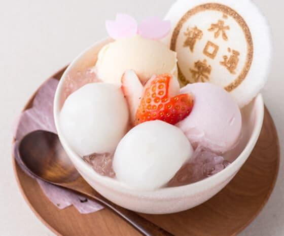 楽・桜かほるパフェ